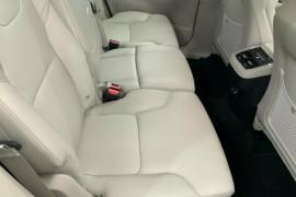 2018 MY19 Volvo XC90 256 MY19 D5 Momentum (AWD) Suv