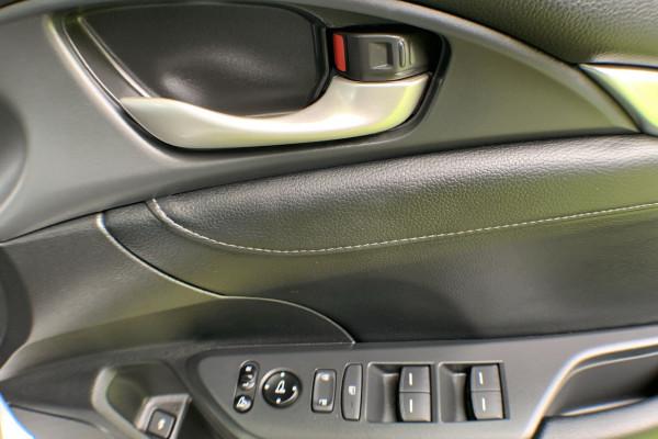 2017 MY16 Honda Civic 10th Gen MY16 RS Sedan Image 4