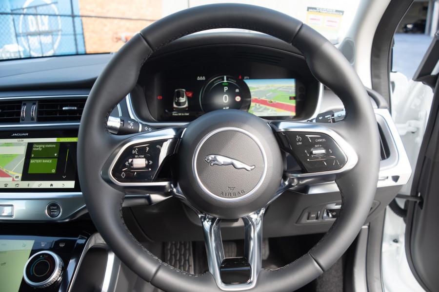 2019 MY20 Jaguar I-PACE X590 SE Hatchback Mobile Image 15