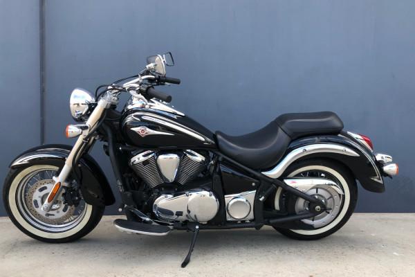 2010 Kawasaki Vulcan Classic Motorcycle Image 3