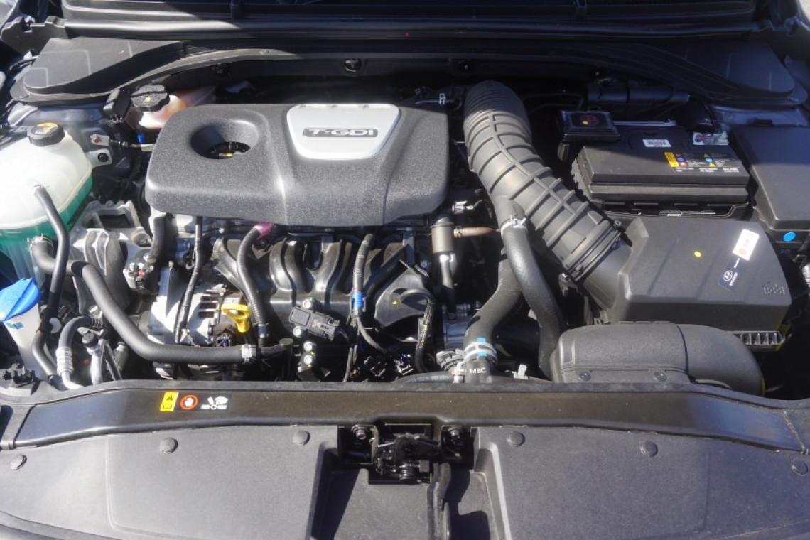 2017 Hyundai Elantra AD SR Sedan
