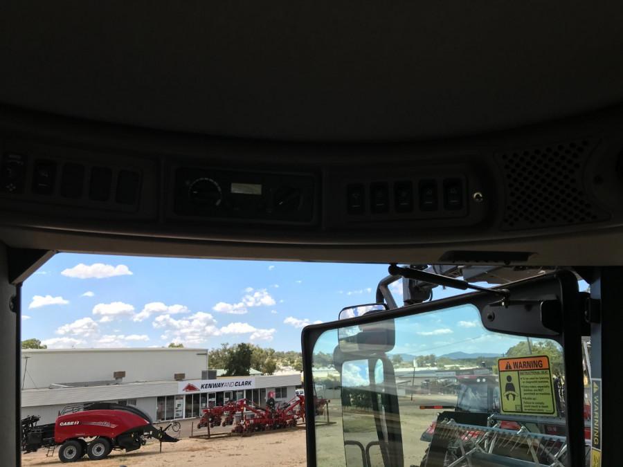 2012 Case IH 7230 Combine front & header Image 9