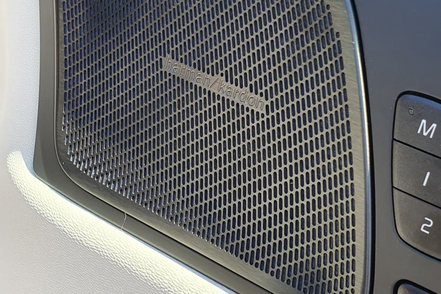 2020 Volvo XC60 UZ T5 Momentum Suv Mobile Image 9