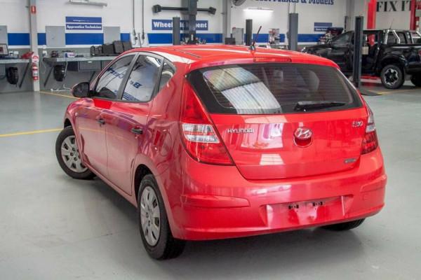 2010 Hyundai i30 FD MY10 SX Hatchback Image 2