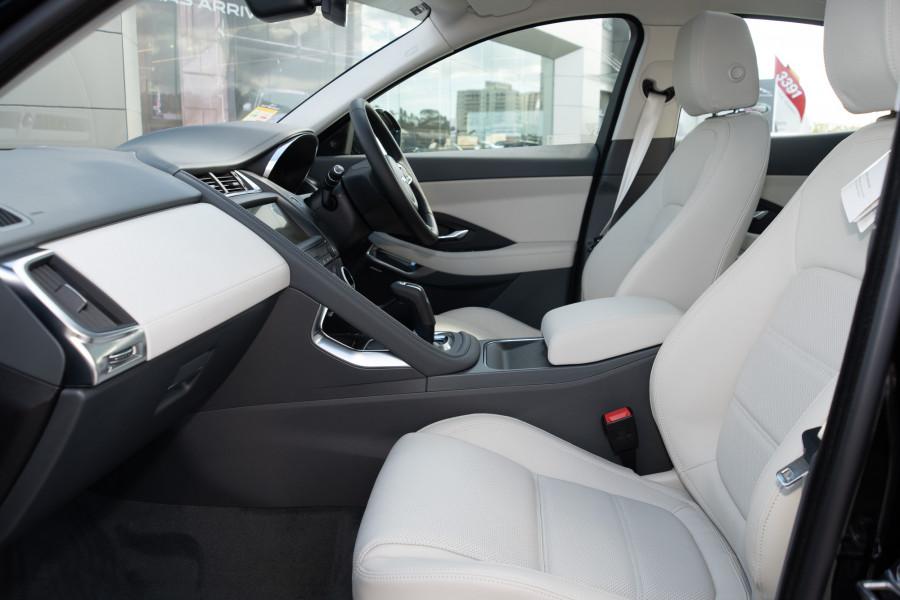2019 Jaguar E-PACE X540 E-PACE Suv Mobile Image 9
