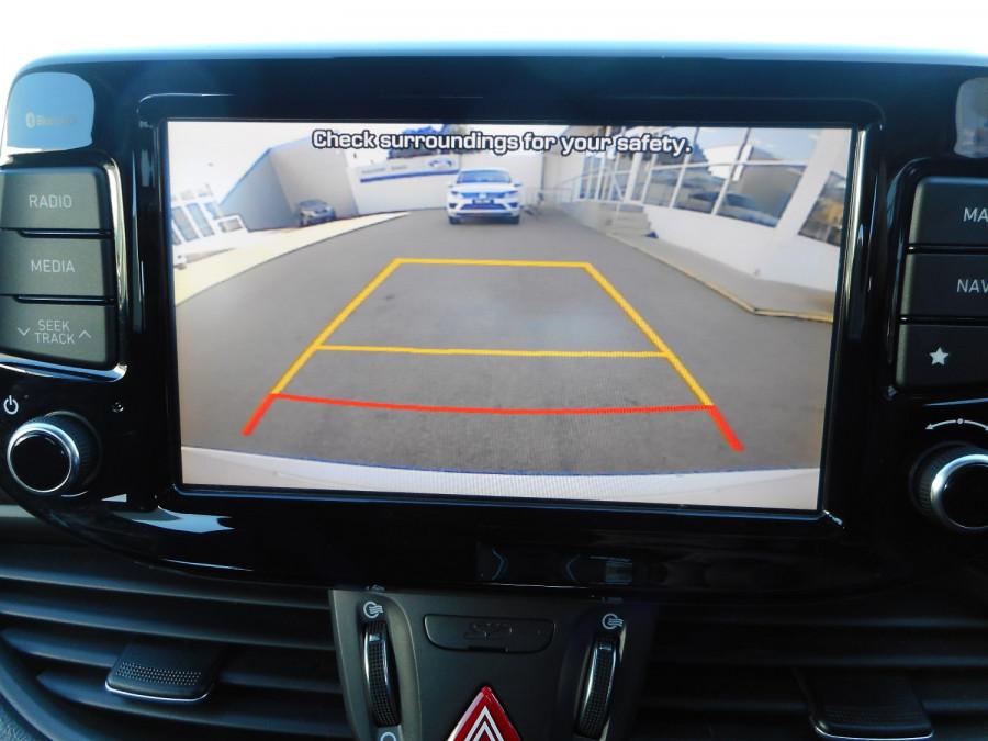 2017 MY18 Hyundai i30 PD Active Hatchback Image 20