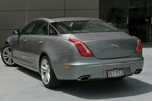 2011 Jaguar Xj X351 Premium Sedan Image 2