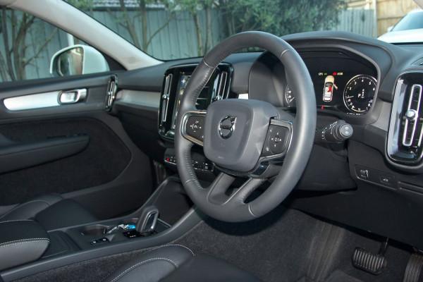 2019 Volvo Xc40 (No Series) MY20 T4 Momentum Suv Image 4