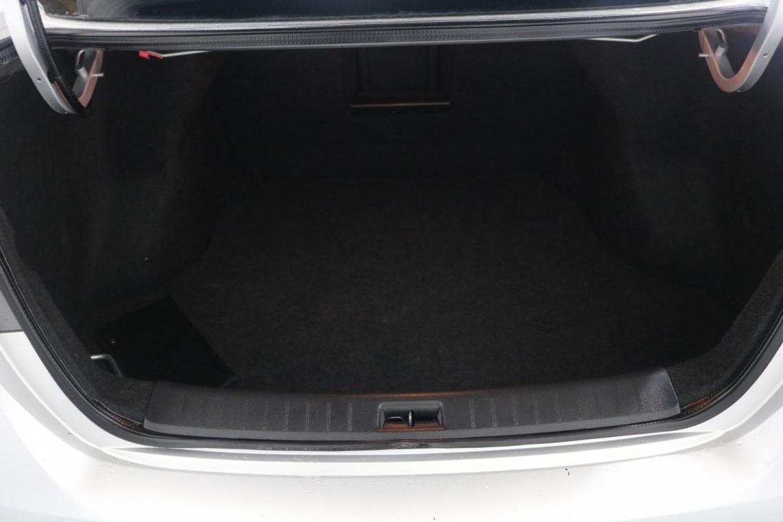 2014 Nissan Pulsar B17 ST Sedan Image 7