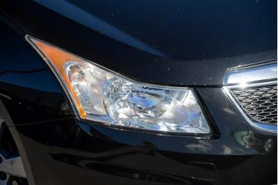 2013 Holden Cruze JH Series II Equipe Hatchback Image 3