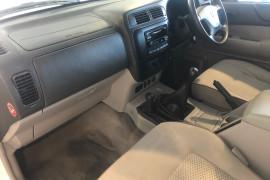 2004 MY05 Nissan Patrol GU IV MY05 ST Suv Image 5