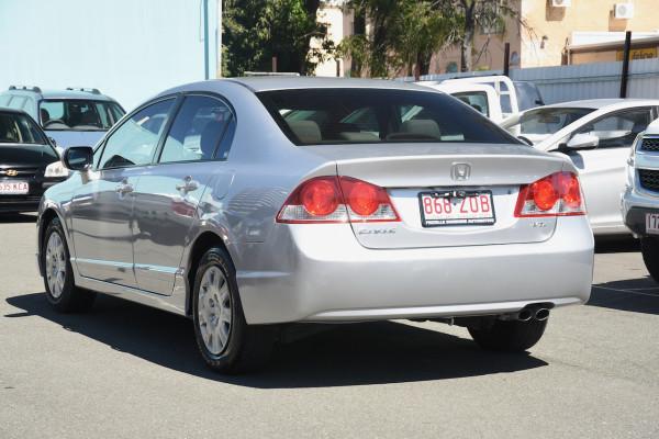 2007 Honda Civic 8th Gen MY07 VTi Sedan Image 3