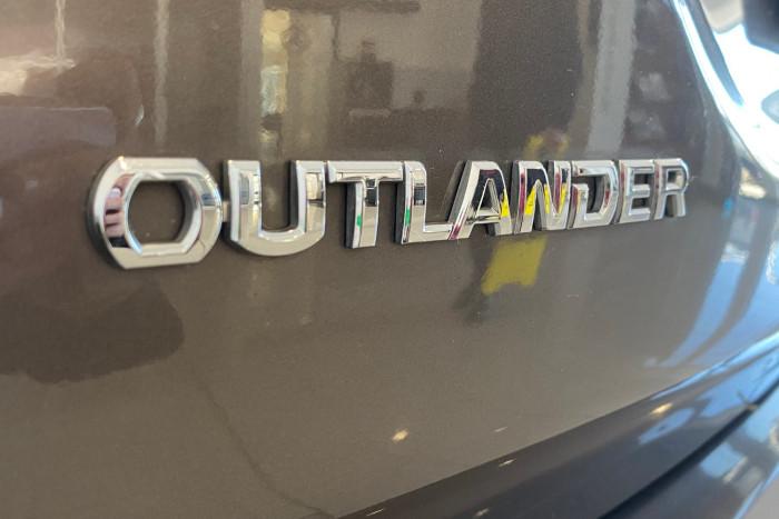 2015 MY16 Mitsubishi Outlander ZK MY16 LS Suv Image 15
