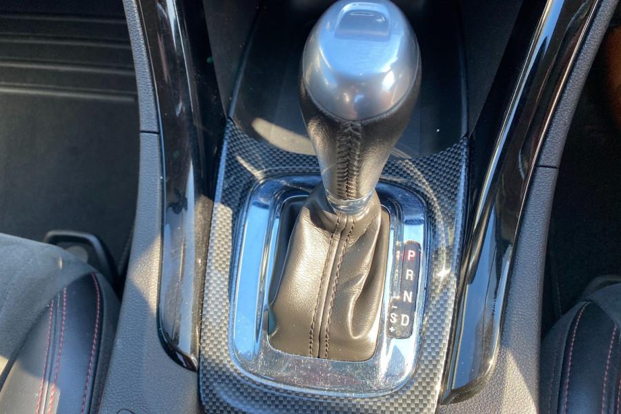 2016 Holden Commodore VF II  SV6 Black Utility Image 17