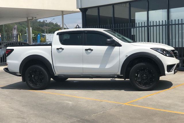 2019 Mazda BT-50 UR 4x4 3.2L Dual Cab Chassis XT Cab chassis Image 2