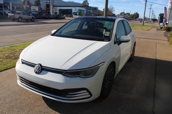 2021 Volkswagen Golf 8 110TSI Life Hatch Image 3