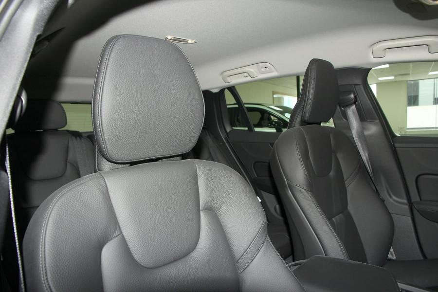 2019 MY20 Volvo V60 (No Series) T5 Momentum Wagon Mobile Image 20