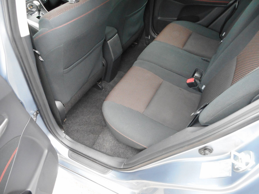 2010 MY11 Toyota Corolla ZRE152R  Levin ZR Hatchback Image 14