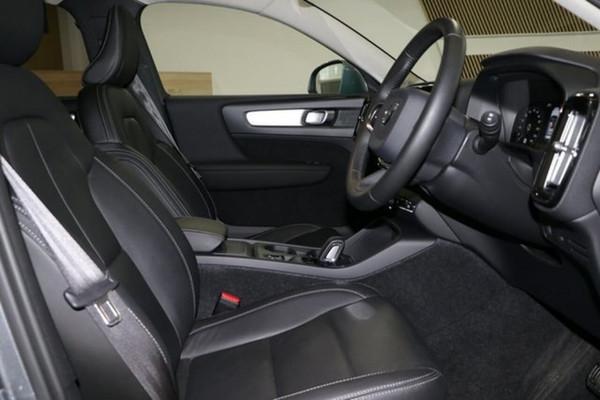 2019 Volvo Xc40 (No Series) MY19 T4 Momentum Suv Image 5