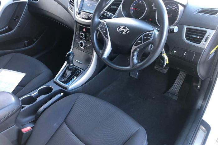 2015 Hyundai Elantra MD3 Active Sedan Image 12