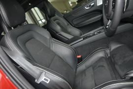 2017 MY18 Volvo XC60 UZ MY18 T8 R-Design Wagon