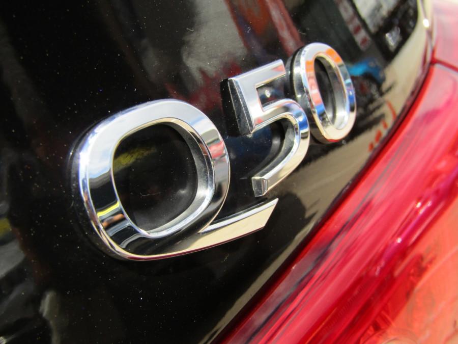 2014 Infiniti Q50 V37 S Premium Sedan Image 2