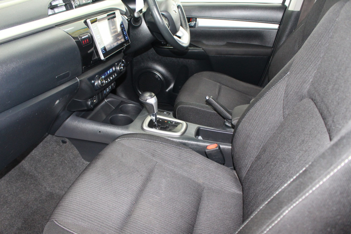 2016 Toyota HiLux GUN126R SR5 Utility Image 12