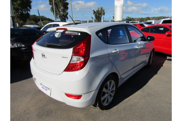 2018 MY19 Hyundai Accent RB6 MY19 SPORT Hatchback Image 5
