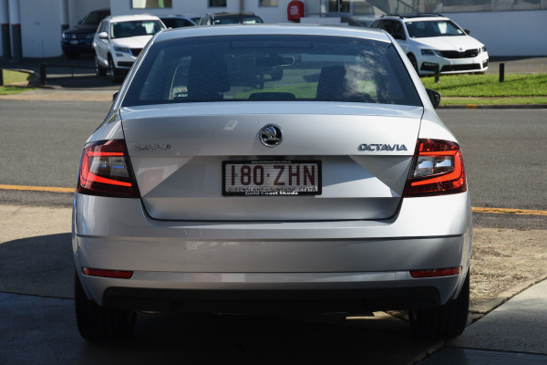 2019 Skoda Octavia NE Sedan Sedan Image 4