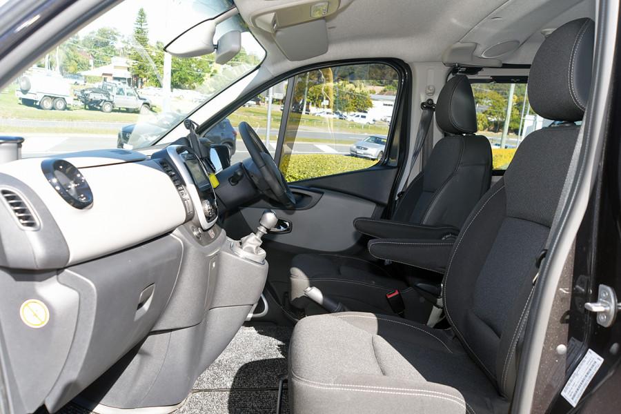 2019 Renault Trafic L2H1 Crew Van Mobile Image 6