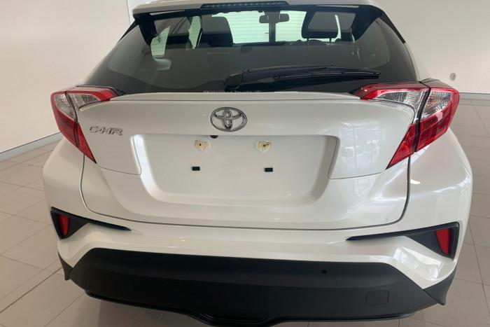 2019 Toyota C-hr NGX10R NGX10R Suv Image 8