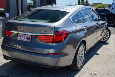 2010 MY11 BMW 5 Series F07 530d Hatchback Image 3