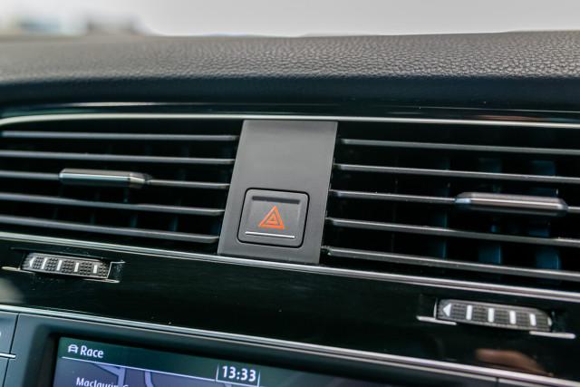 2016 Volkswagen Golf 7 R Hatchback Image 24