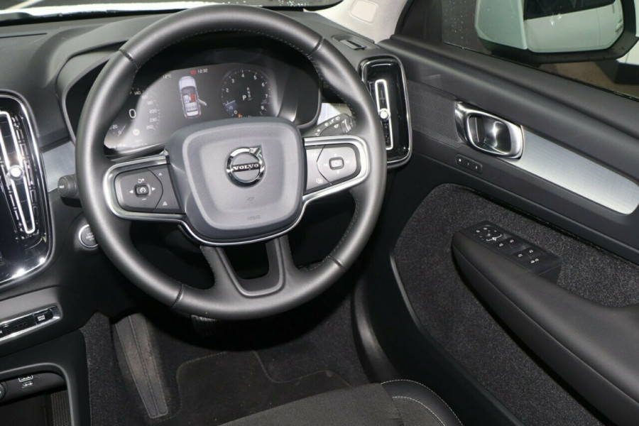 2019 Volvo XC40 Suv Image 7