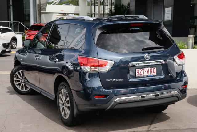 2015 Nissan Pathfinder R52  ST Wagon Image 2