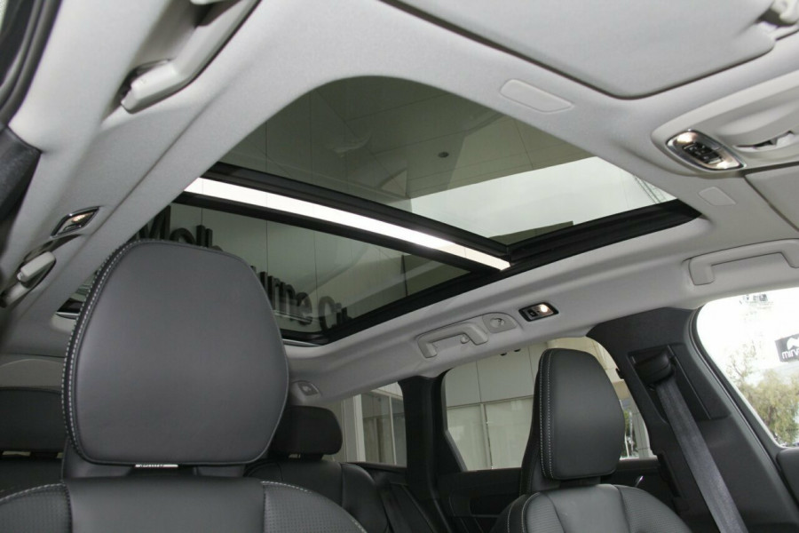 2019 Volvo V90 Cross Country D5 Wagon Mobile Image 15