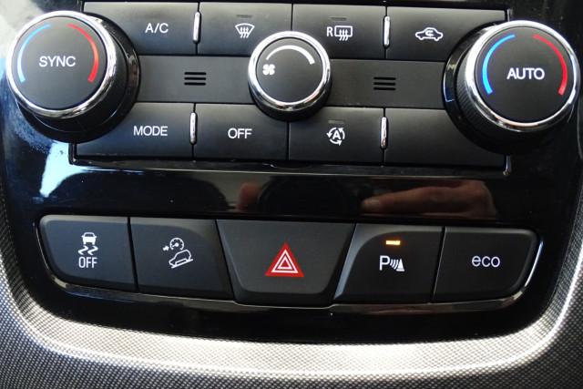 2016 Holden Captiva LTZ 23 of 33