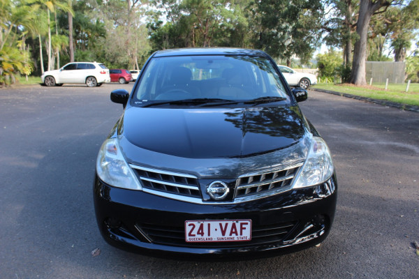 2011 Nissan Tiida C11 S3 ST Hatchback Image 3