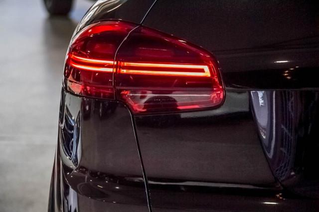 2017 Porsche Cayenne 92A Diesel Platinum Edition Suv Image 19