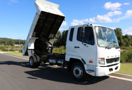 Fuso FIGHTER TIPPER FREE SERVICING + INSTANT ASSET WRITE OFF 1124 TIPPER 455HP
