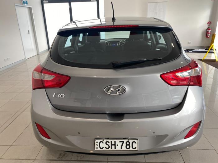 2014 Hyundai I30 GD2 Active Hatchback Image 9