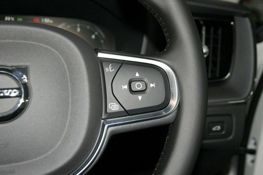 2019 MY20 Volvo XC60 UZ D4 Momentum Suv Mobile Image 15