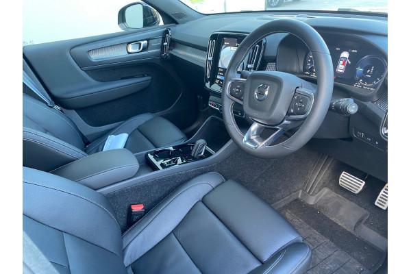 2021 Volvo XC40 XZ Recharge PHEV Suv Image 4