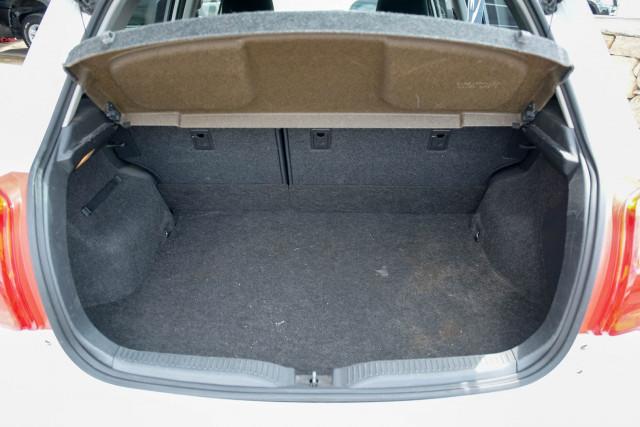 2010 Toyota Corolla ZRE152R Ascent Hatchback Image 7