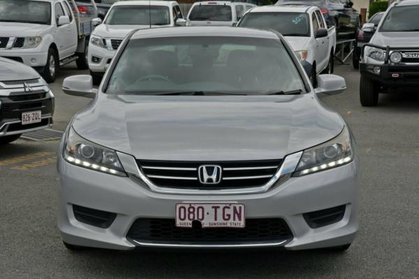 2013 Honda Accord 8th Gen VTi Sedan Image 2