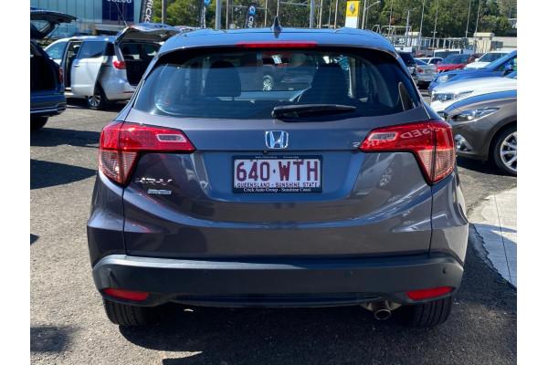 2016 Honda Hr-v  Limited Edition Hatchback Image 4