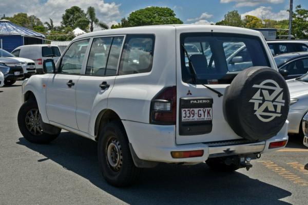 2002 Mitsubishi Pajero NP GLX Suv Image 3