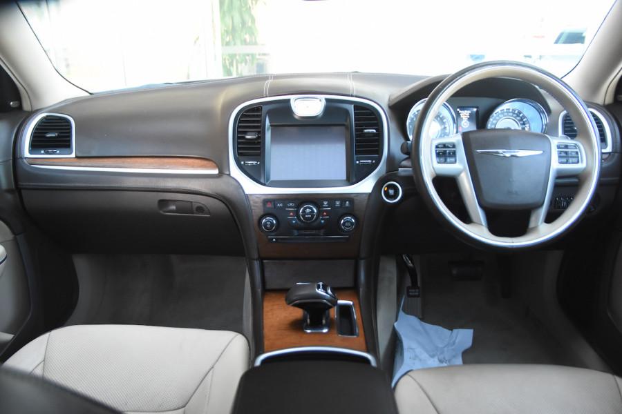 2014 Chrysler 300 LX C Sedan Image 8