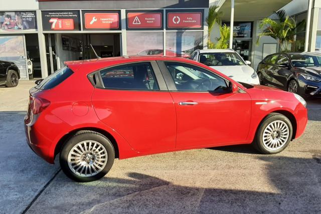 2013 Alfa Romeo Giulietta Series 0  Hatchback Image 4