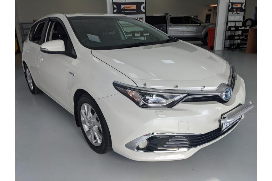 2017 Toyota Corolla ZWE186R HYBRID Hatchback
